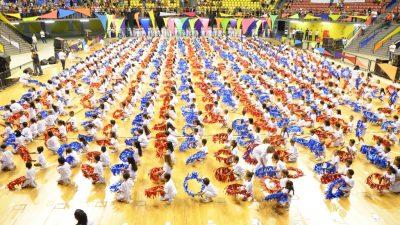 Emoção marca a formatura de mais 730 alunos das Emeis