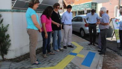 Prefeito Vinicius acompanha construção de rampas e conquista projetos de inclusão para pessoas com deficiência