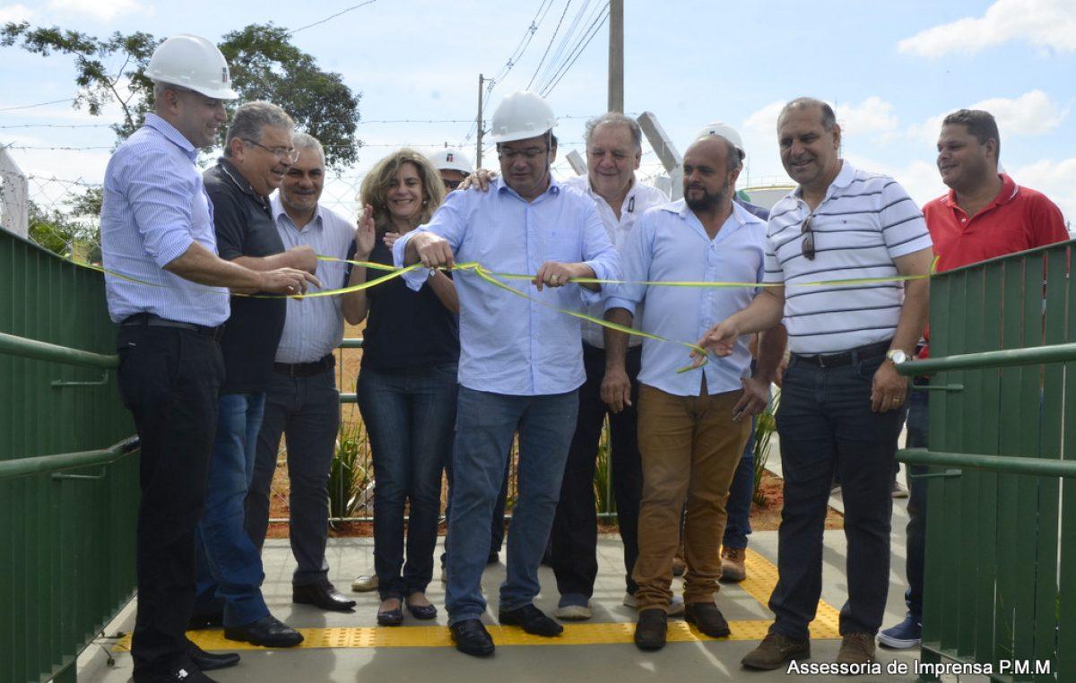 Prefeitura e Pacaembu entregam passarela em Padre Nóbrega