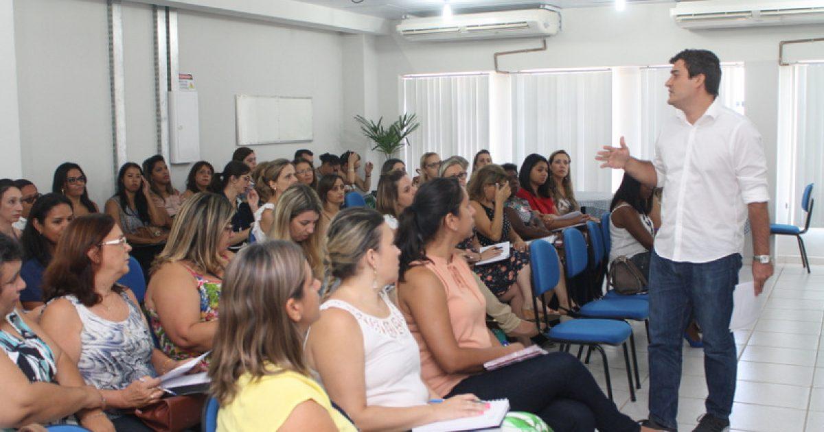 Educação reúne mais de 150 diretores e coordenadores para planejamento anual
