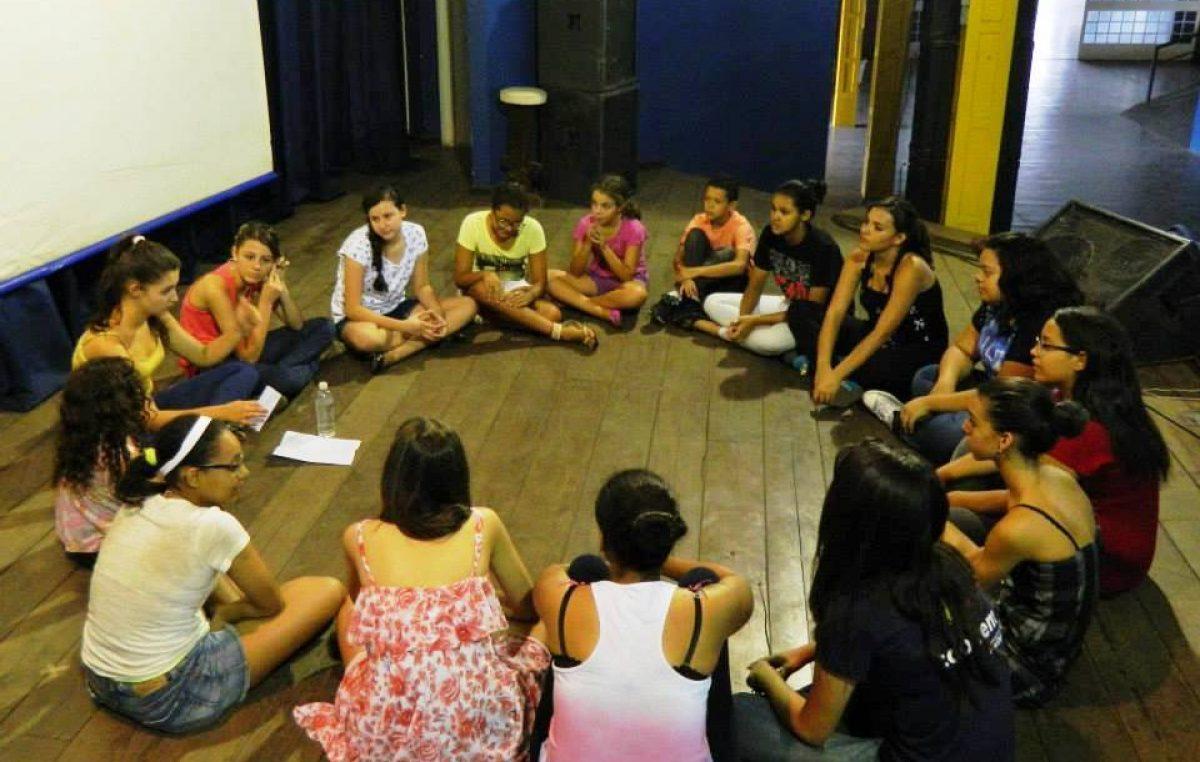 Projeto Teatro da Cidade realiza aula inaugural