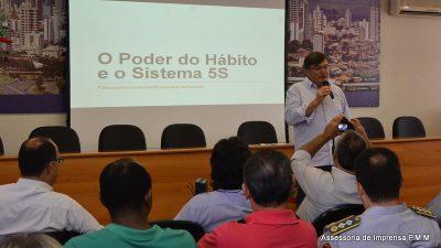 """Programa """"Os 5S na Prefeitura de Marília"""" é apresentado para empresário e entidades"""
