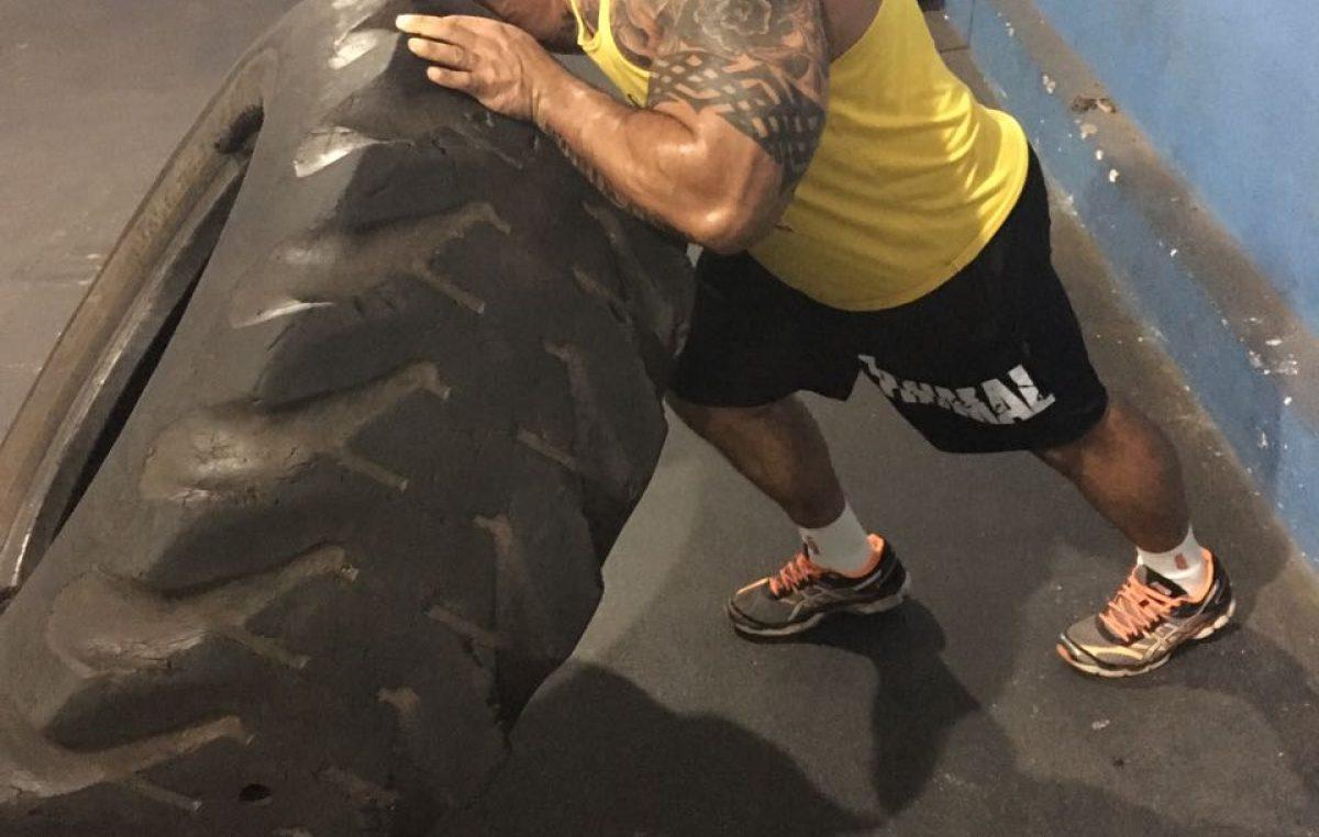 Mariliense participa de campeonato de levantamento de peso em Tabapuã