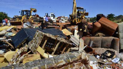 Mutirão da Campanha Marília em Movimento carrega 54 caminhões no primeiro dia