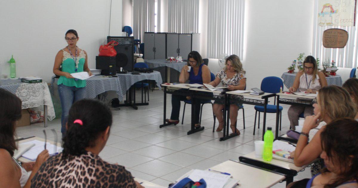 Sebrae conclui capacitação para início do 'Jovens Empreendedores' nas escolas.