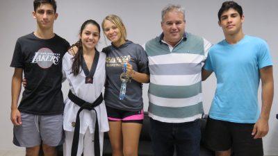 Alunos do Projeto Social Esportivo da SEL são ouro no Taekwondo