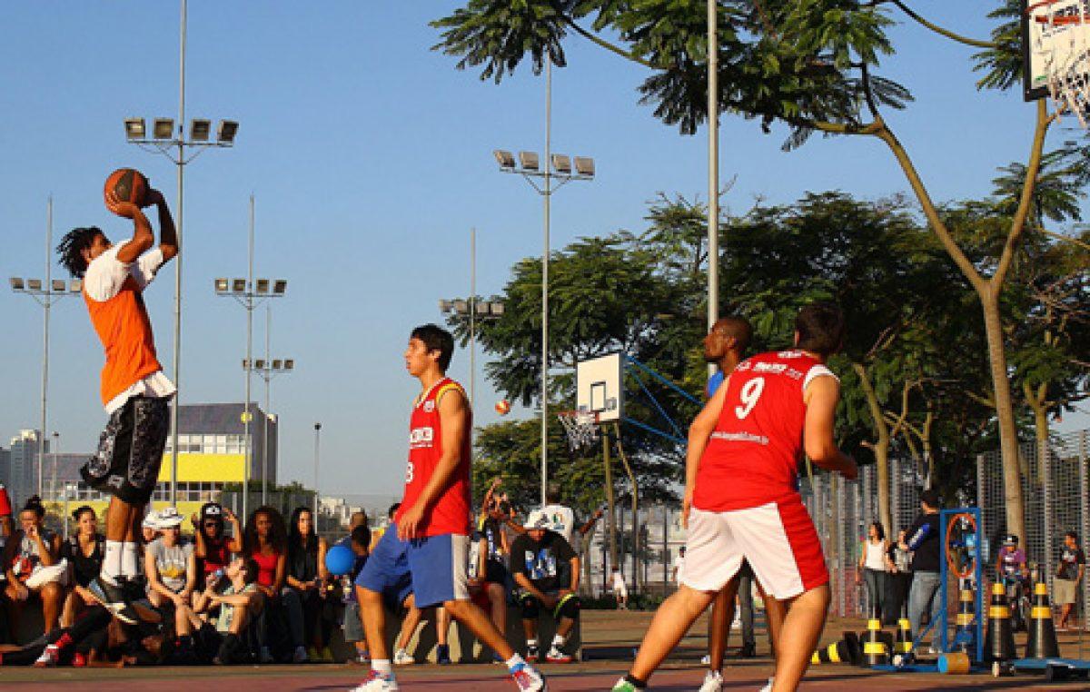 Campeonato de basquete três acontece neste domingo.
