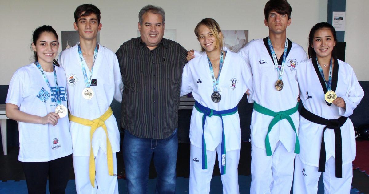 Alunos do Projeto Social da Secretaria de Esportes garantem vaga em semifinal de Taekwondo.