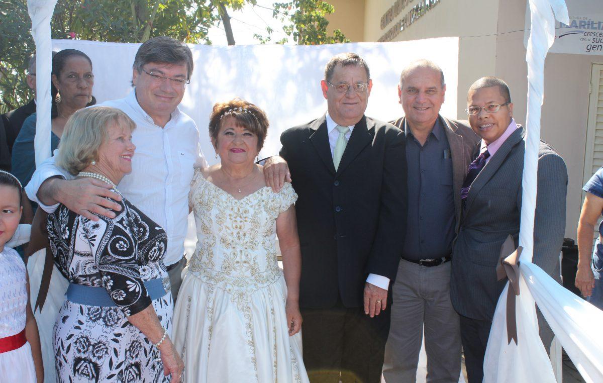 Centro Dia Anadir Hila celebra casamento de idosos que se conheceram na entidade