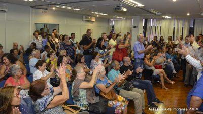 Definido: Servidores públicos aposentados receberão R$ 250,00 de abono