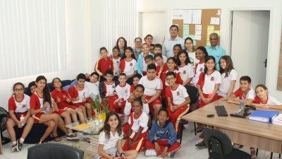 Alunos visitam exposição; Saúde e Educação abrem as portas para 'tour pedagógico'