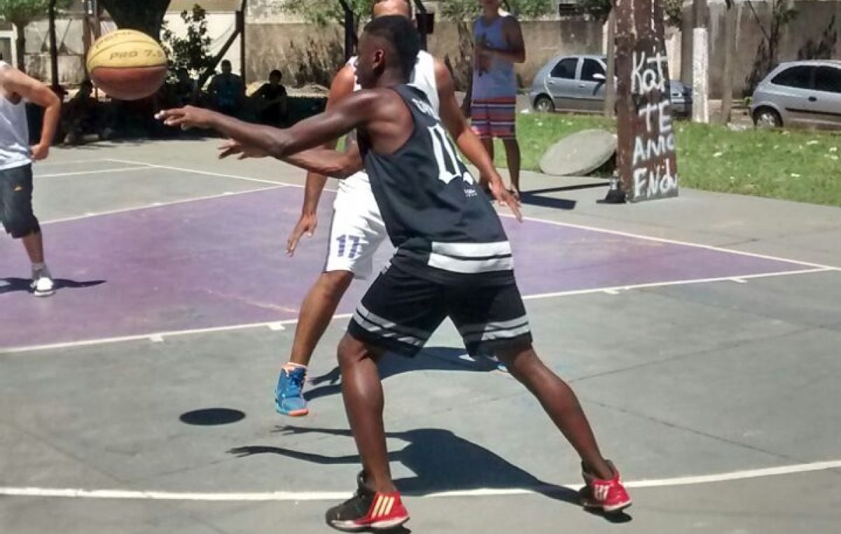 Campeonato de basquete 3×3 reúne 600 pessoas no Tatá