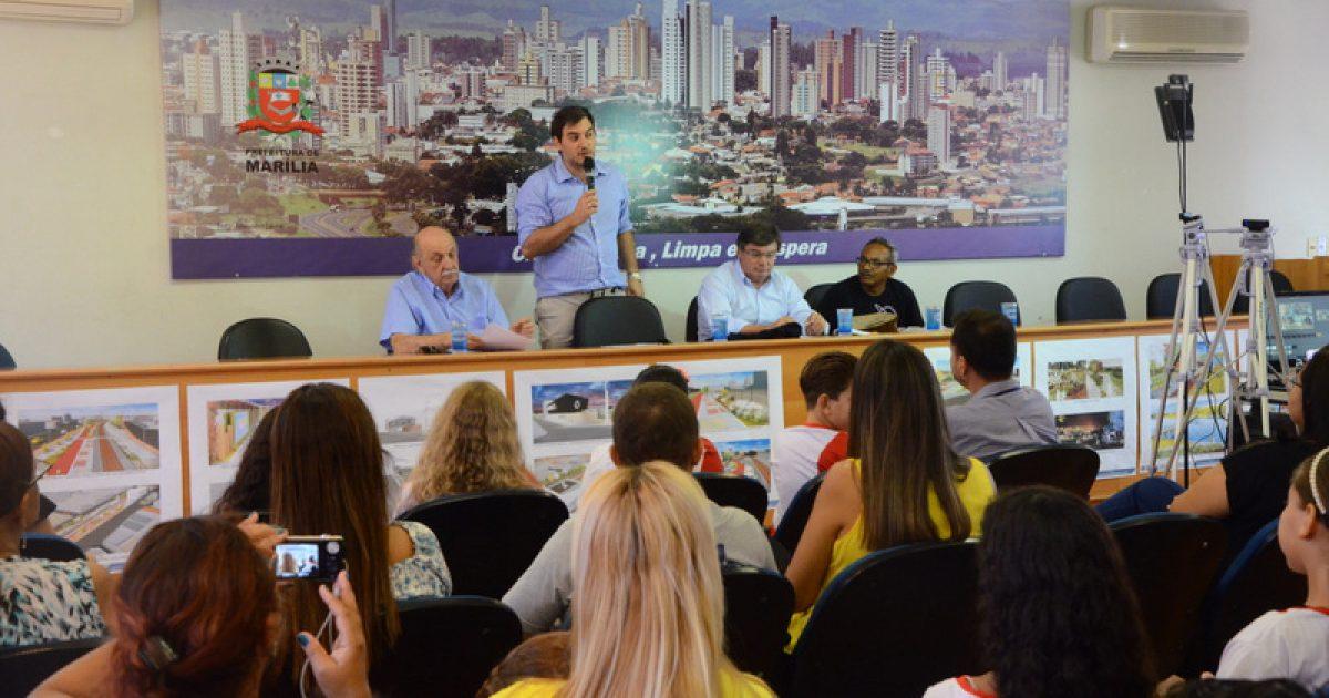 Alunos recebem medalhas conquistadas na 20ª edição da Olimpíada Brasileira de Astronomia e Astronáutica