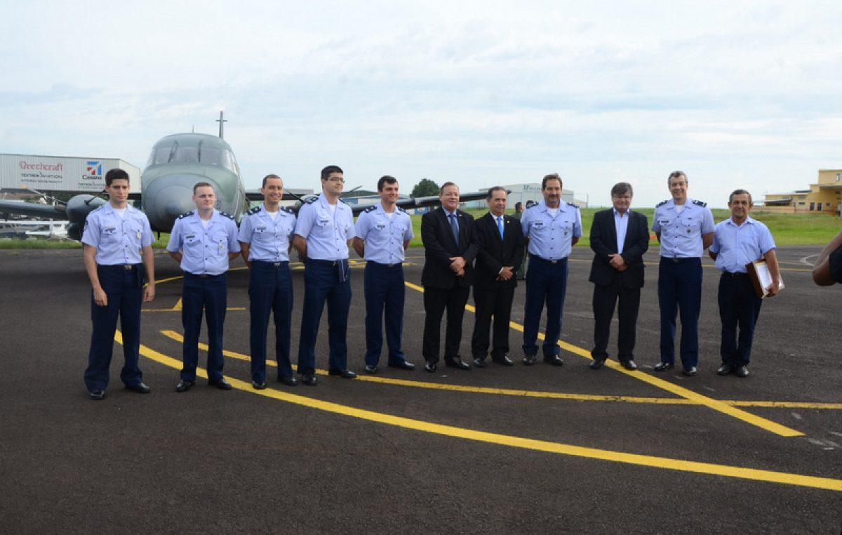 Marília recebe visita do alto comando da FAB