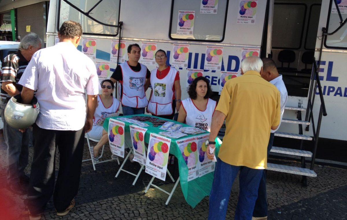Saúde faz oficina para interpretes de Libras; meta é chegar à população com surdez