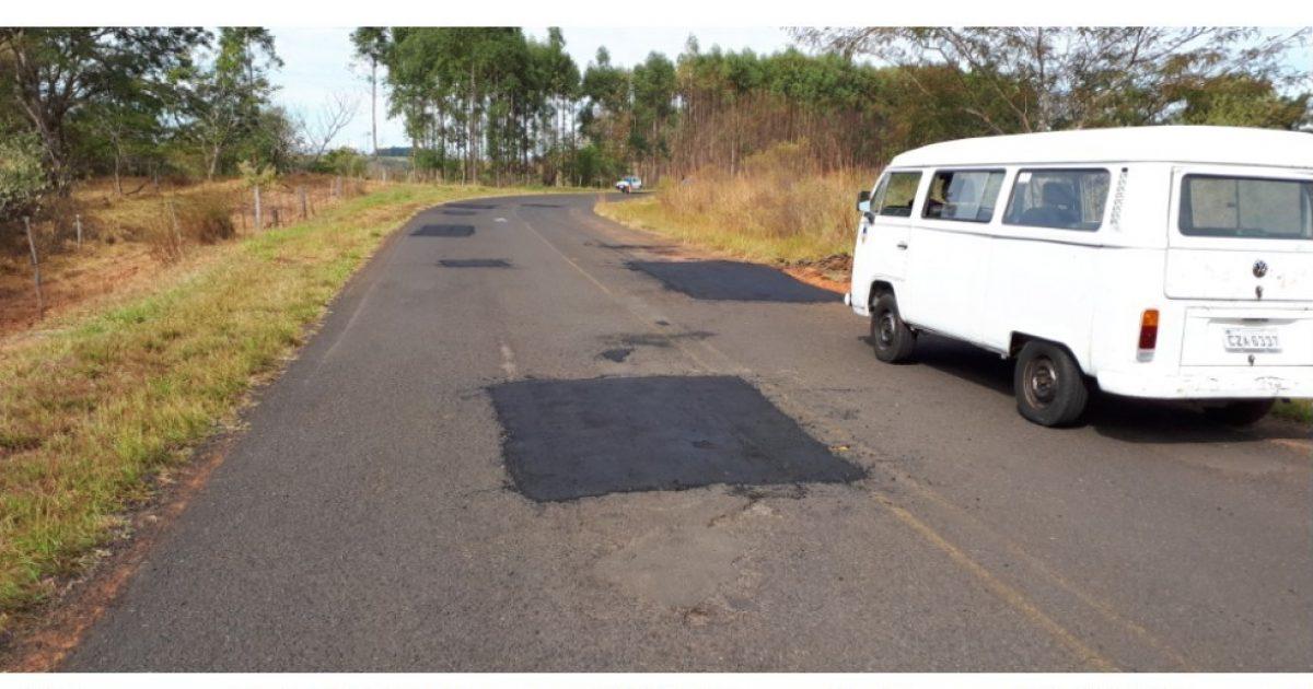 Codemar finaliza operação tapa-buracos na estrada vicinal de Avencas até quinta-feira