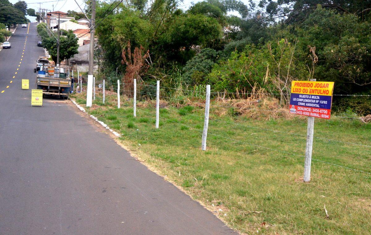 Prefeitura cerca áreas que serviam para descarte irregular de lixo