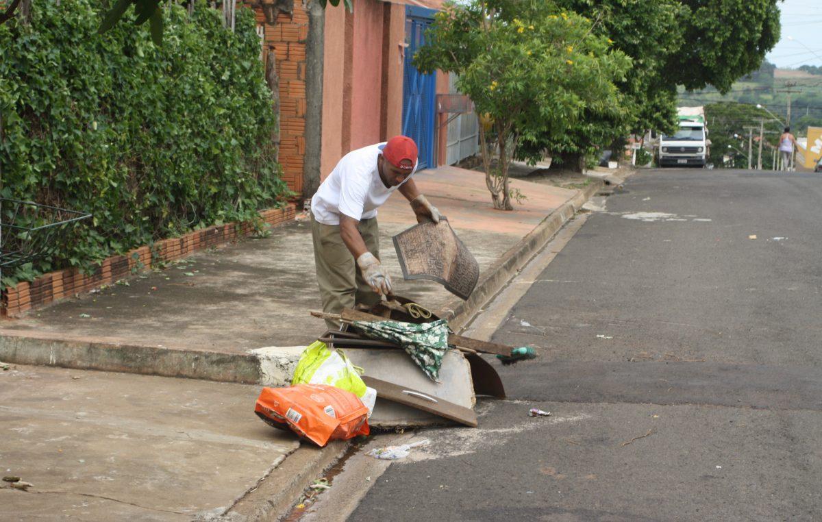 Mutirão de Limpeza ultrapassa 600 toneladas;  distritos e centro têm coleta neste sábado