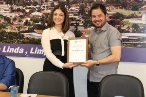 Ana Paula Fava foi considerada Hóspede Oficial do Município no dia da realização do seminário
