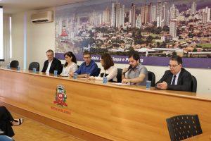 Secretário Ricardo Mustafá representou o prefeito Daniel Alonso no evento realizado na Prefeitura